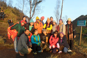 paket one day tour dieng group